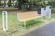 Vareálu IPR Praha jsou vystaveny návrhy na nové lavičky, stojany a koše proPrahu.