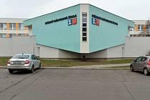 Budova Střední průmyslové školy Na Třebešíně.