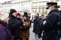 Pražský pochod na podporu Trumpa a Lučanského.