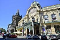 Okolí Prašné brány a především náměstí Republiky bývalo rajonem pouličních prostitutek. Ilustrační foto.