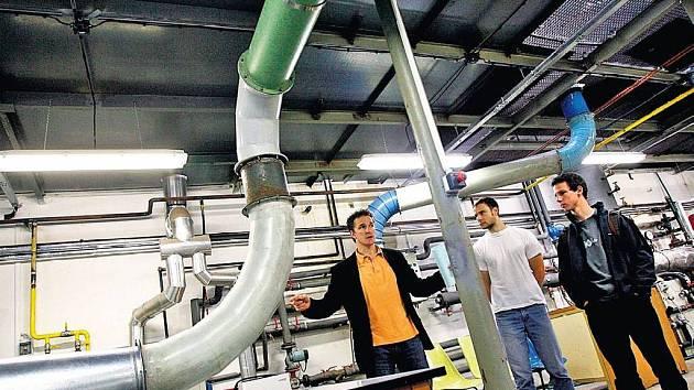 ČVUT POMÁHÁ. Ve vědeckém inkubátoru ČVUT naleznou pomoc začínající podnikatelé, často z řad studentů a absolventů právě některé z fakult techniky.