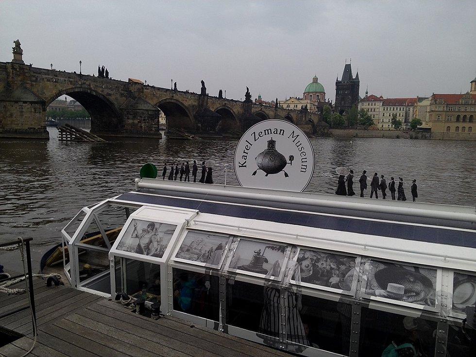 Muzeum Karla Zemana usilovalo, aby nová ulice v pražských Kolodějích nesla celé režisérovo jméno.