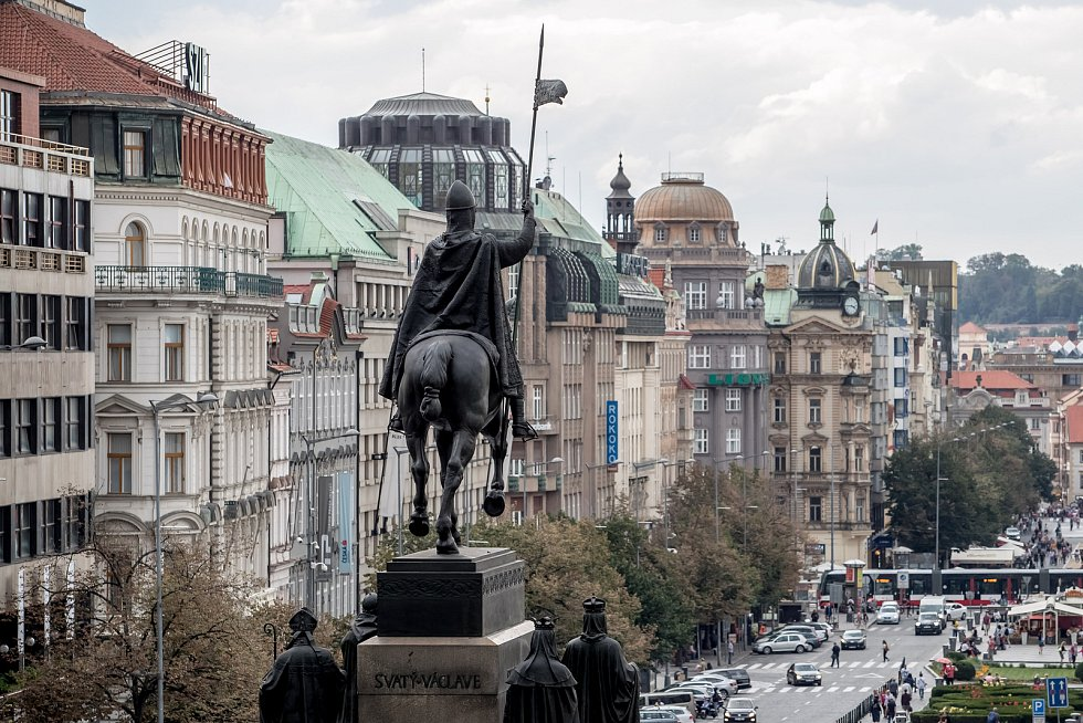 Stavební ruch na pražském Václavském náměstí 5. září 2019 v Praze.