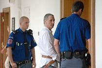 Sedm a půl roku si má podle úterního verdiktu Krajského soudu v Praze odpykat 44letý Ladislav Tomášek z Mostu.
