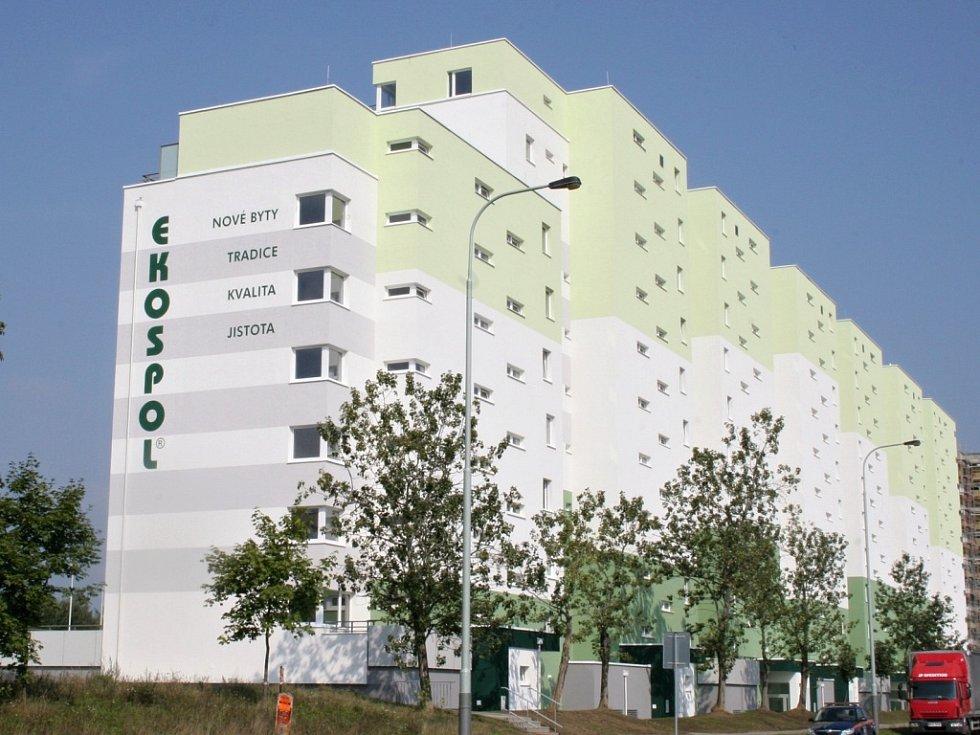 Bytový areál v Nových Měcholupech.
