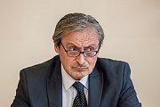 Debata Pražského deníku, která začala na autobusové stanici na Veleslavíně a pokračovala na Terminálu 3 v hotelu Ramada 13. října v Praze. Stropnický