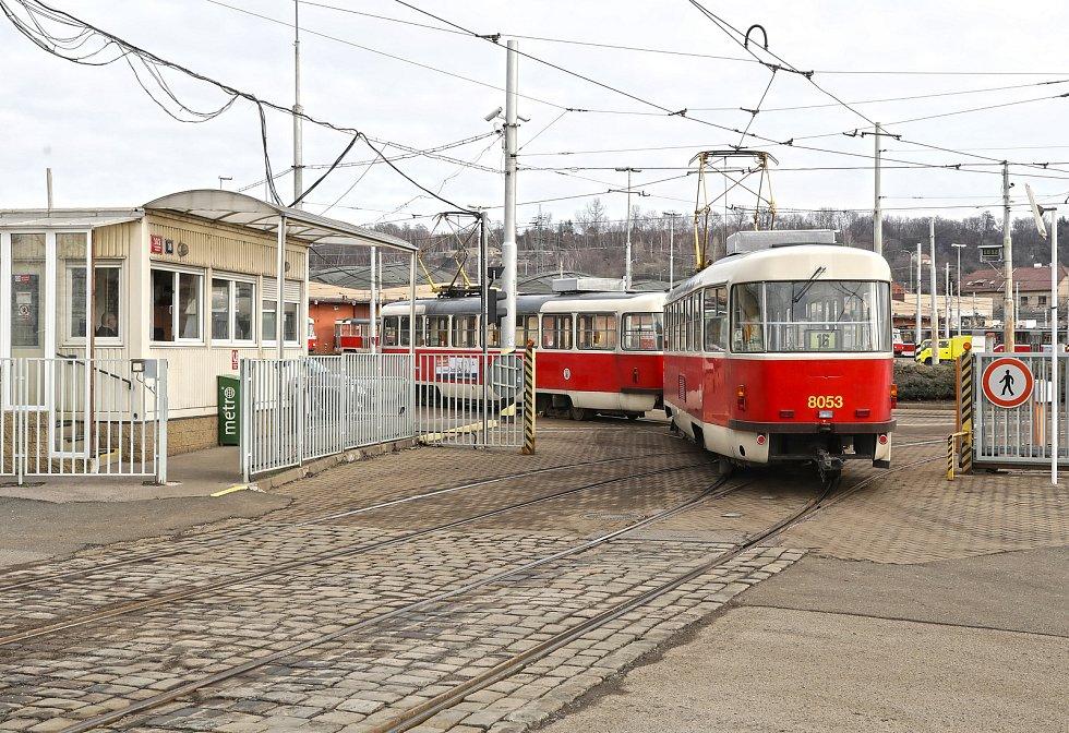 Vozovna Hloubětín.