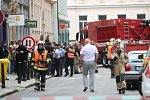 V centru Prahy se zřítila klenba, na místě zavalila a zranila několik lidí