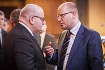 Ministr kultury Daniel Herman a premiér Bohuslav Sobotka.