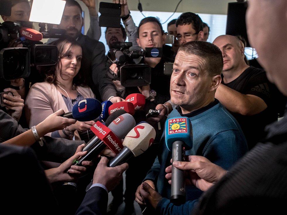 Volební štáb ANO při volbách do zastupitelstev obcí a senátu 6. října v Praze. Patrik Nacher