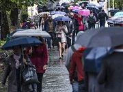 Deštivé počasí panovalo ve čtvrtek 8. října 2015 v Praze.