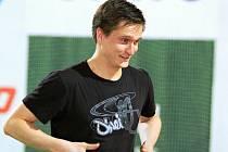 NOVÝ ASISTENT! Mladý německý trenér Martin Büttner nastoupil k házenkářkám pražské Slavie.