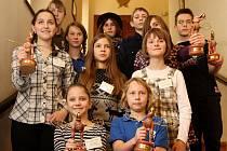 Vítězové soutěže Zlatý oříšek byli představení 12. ledna na tiskové konferenci v Praze. Zlatý oříšek je soutěžorientoané na nadané a šikovné děti od šesti do čtrnácti let.
