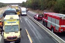 Nehoda autobusu na D11.