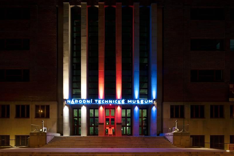 Národní technické muzeum nasvícené 17. 11. 2020.evize nasvícená 17. 11. 2020.