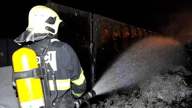 Zásah hasičů v Letňanech.
