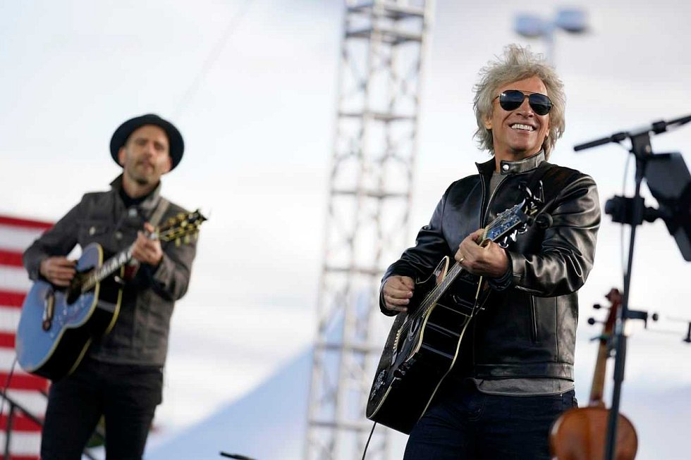 Strahovské autokino promítá v sobotu koncert Bon Joviho.