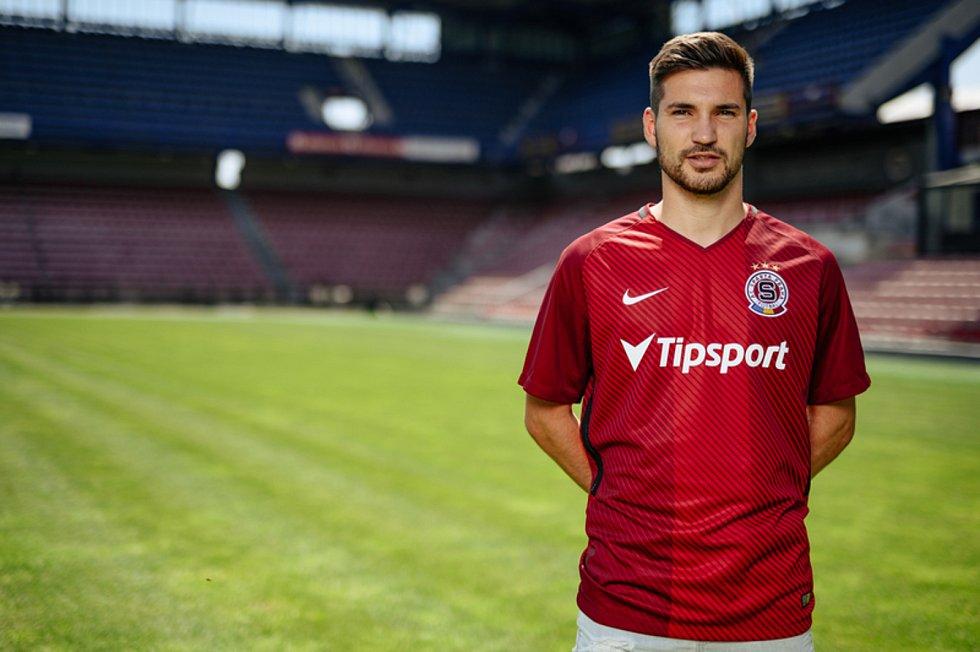 Záložník Michal Trávník přestoupil z Jablonce do Sparty, se kterou pětadvacetiletý fotbalový reprezentant podepsal smlouvu na tři roky