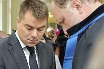 Marek Dalík s advokátem Tomášem Sokolem.