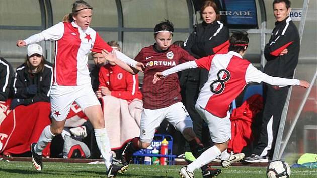 Derby Sparta - Slavia v 1. fotbalové lize žen. Hrálo se nerozhodně 1:1.