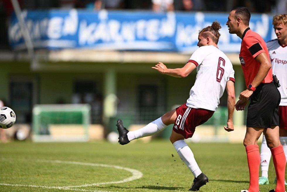Sparťané v generálce remizovali s Dynamem Moskva 2:2. Její góly stříleli Hložek s Polidarem.