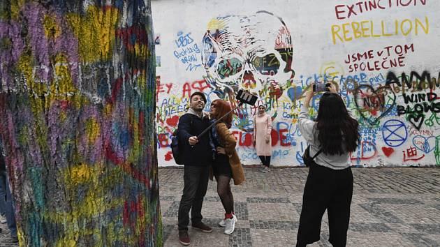 Lennonova zeď v Praze.