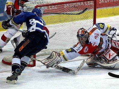 FINIŠ. Slavia na vítkovickém ledě brala tři body, Sparta se v domácím prostředí pokusí o totéž.