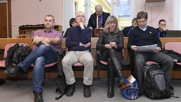 Soud znovu rozdal podmíněné tresty pražským radním za smlouvy k opencard.