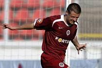 Šťastný střelec Marek Kulič nasměroval Spartu k prvnímu postupnému cíli této sezony.