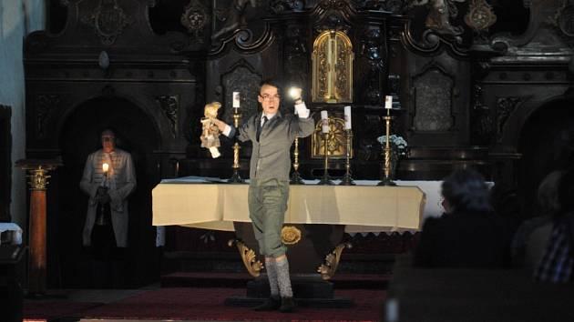 Půlnoc v pohraničí v kostele Panny Marie Sněžné.