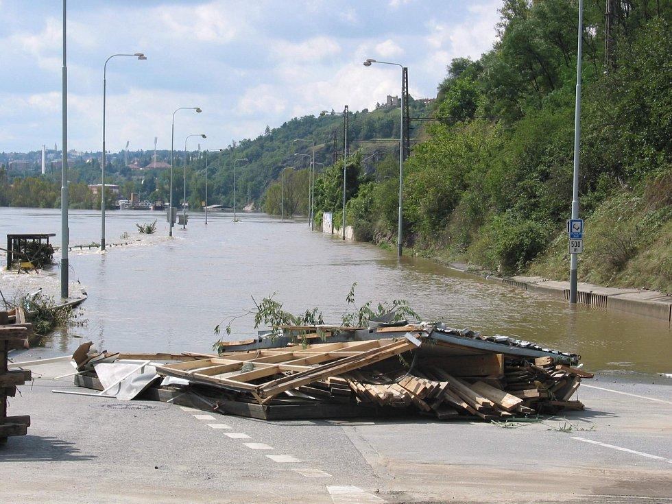 Povodně z roku 2002 v Praze. Podbaba.