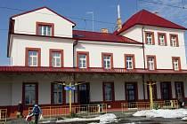 Vlakové nádraží Čelákovice. Ilustrační foto.