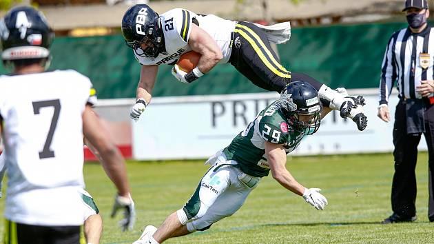 Pražští Black Panthers podlehli v úvodním zápase AFL Dragons 14:21.