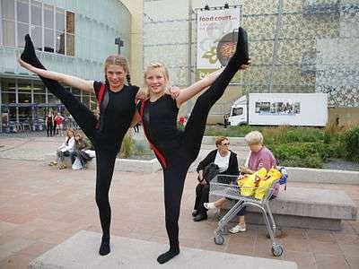 Akrobatická show skupiny dánských gymnastů Springholdet konal se 3.červenca 2007 v Praze Vršovicich.