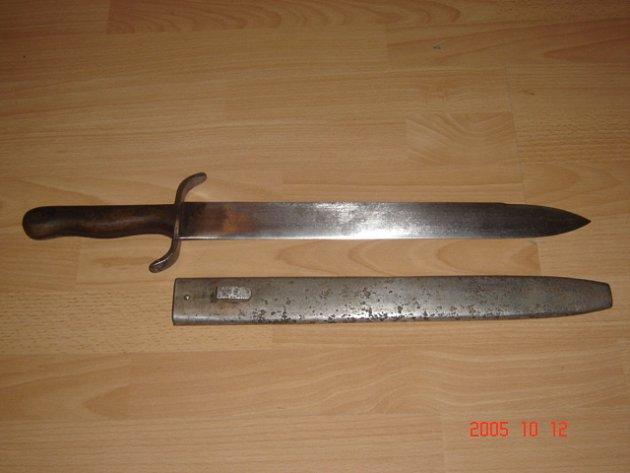 SEČNÁ ZBRAN. S dobře nabroušenou mačetou může útočník způsobit své oběti nevratná poškození zdraví, nehledě na nebezpečí okamžité ztráty života./Ilustrační foto.