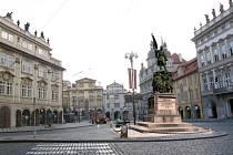Vizualizace: nejoptimálnější varianta umístění sochy maršála Radeckého na Malostranském náměstí v Praze.