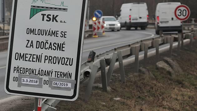 Uzavření Českobrodské ulice v Běchovicích ohledně rekonstrukce.