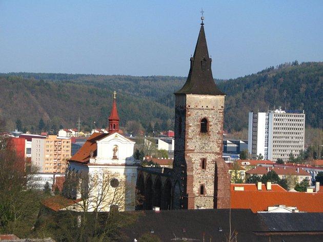 Mezi majetky, o které církve žádají, patří také klášter Sázava. Podle kastelánky Slávky Matoušové spolupráce s místními farníky funguje.