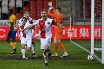Utkání 24. kola první fotbalové ligy: Slavia Praha - SFC Opava, 21. března 2021 v Praze. Jan Kuchta ze Slavie střílí první gól utkání.