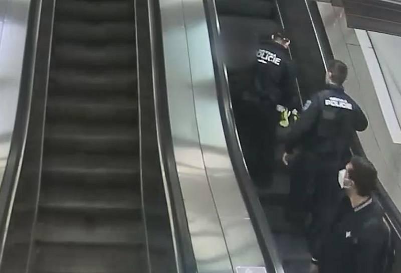 Incident v pražském metru.