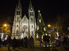 Vánoční trhy na Náměstí Míru.
