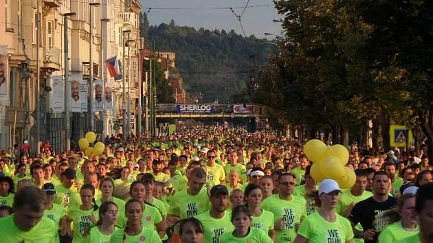 V sobotu večer se v Praze uskutečnil 4. ročník běžeckého závodu WE RUN PRAGUE