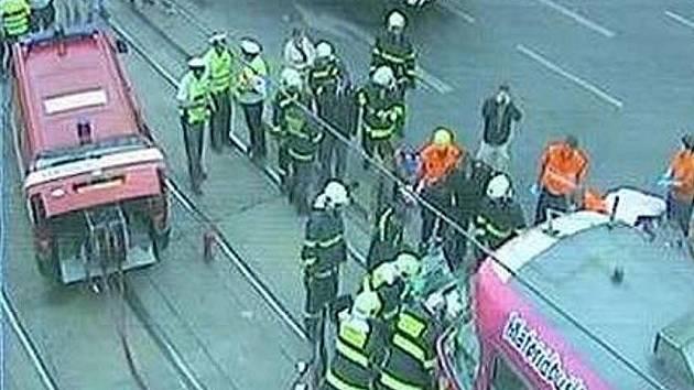 Nehoda tramvaje a osobního auta na náměstí I.P.Pavlova.