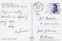 Rub historické pohlednice s tygrem sibiřským ze Zoologické zahrady Ústředního národního výboru hlavního města Prahy.