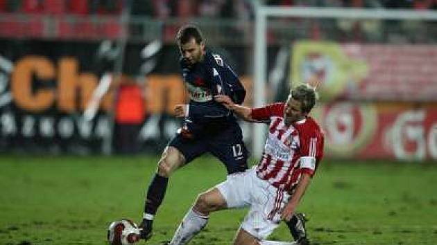 Na podmáčeném oraništi fotbalisté předvedli pouze remízu 1:1.