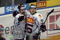 Utkání 44. kola hokejové extraligy: HC Sparta Praha - Mountfield Hradec Králové, 12. února 2020 v Praze. Zleva Michal Řepík a Lukáš Rousek ze Sparty se radují z gólu.