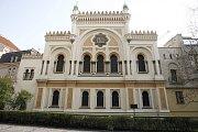Španělská synagoga je nejmladší synagogou na pražském Josefově. Byla postavena v maurském slohu. Původně na jejím místě stávala pravděpodobně nejstarší pražská synagoga, známá jako Stará škola (Altschul).