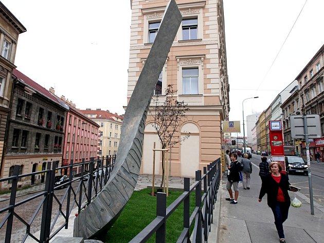 Pomník Jaroslava Seiferta.