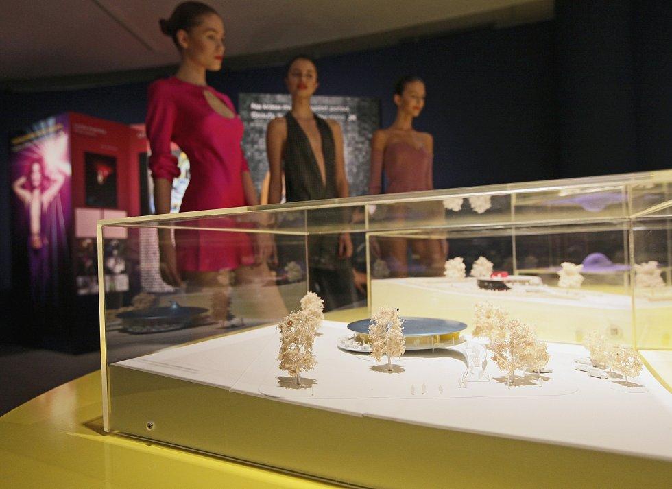 Výstava Jana Kaplického v Tančícím domě s názvem JKOK