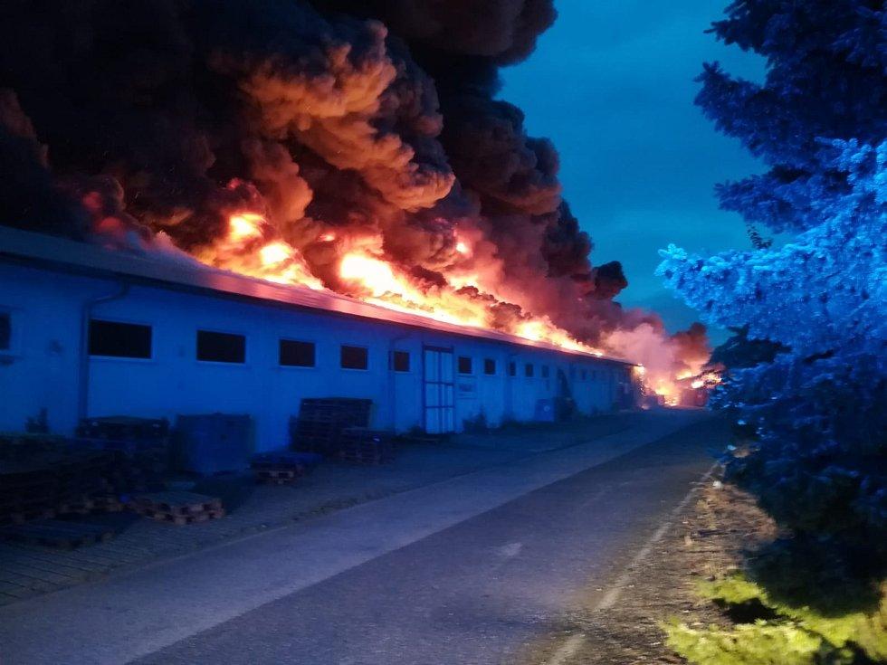 Na výstavišti v pražských Letňanech hořelo.